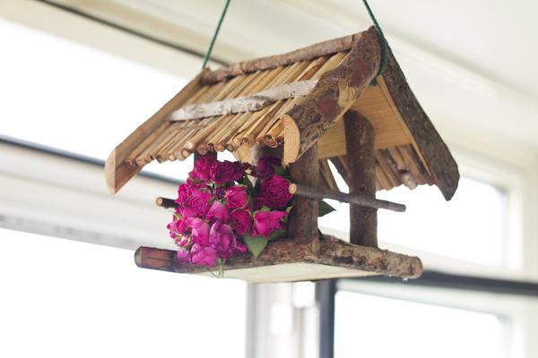 Röschen im Vogelhaus