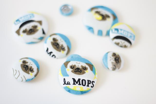 Mops Knöpfe