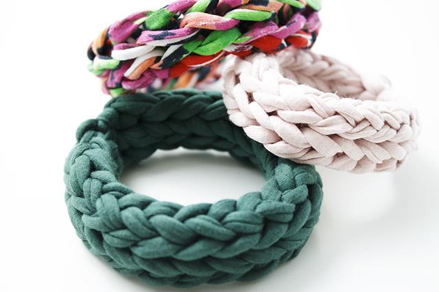 gestrickte Armbänder